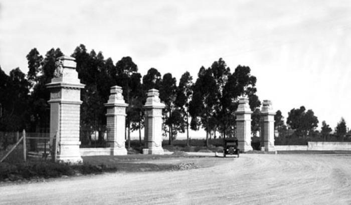 Portones de Carrasco. Año 1919. (Foto 2133 FMH.CMDF.IMM.UY)
