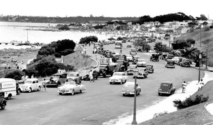 Rambla. Año 1952. (Foto 8776 FMH.CMDF.IMM.UY)