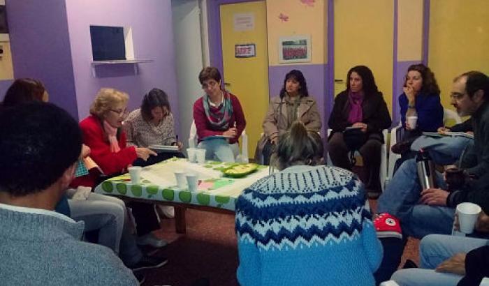 Vecinos/as en el 1º Encuentro sobre higiene ambiental